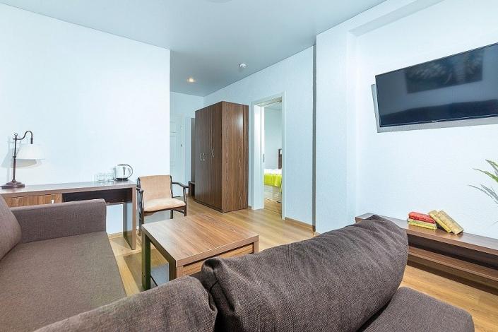 Люкс двухместный двухкомнатный отеля Sea Breeze Resort