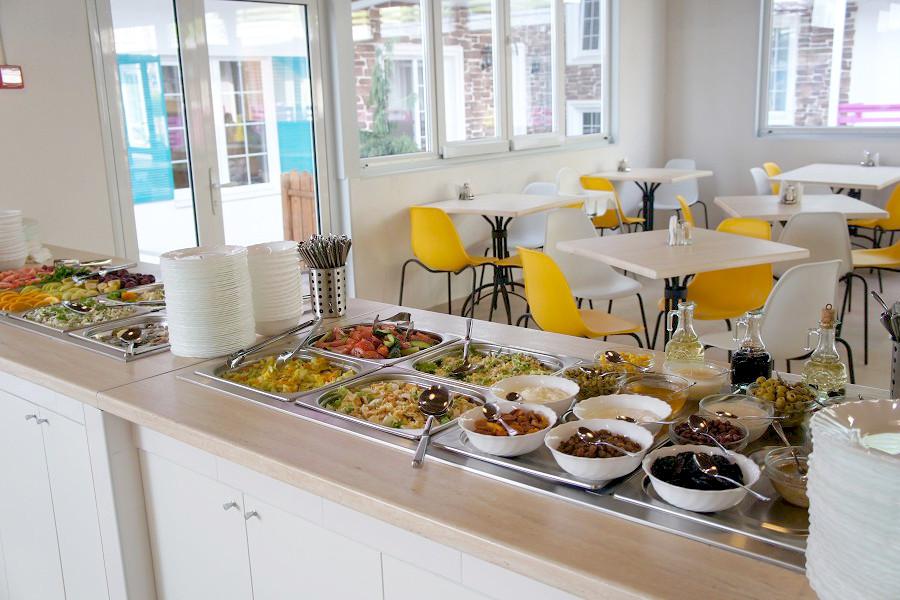 Ресторан отеля Sea Breeze Resort