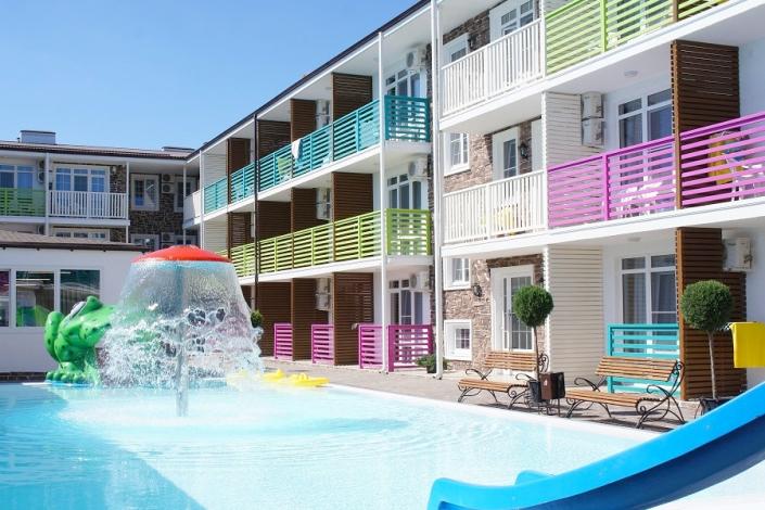 Бассейн для детей отеля Sea Breeze Resort