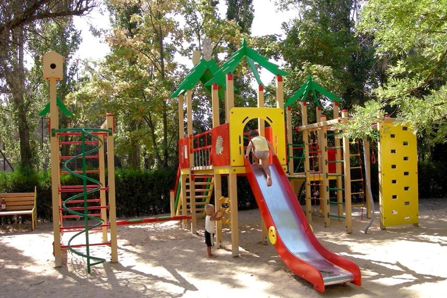 Детская площадка санатория Северный