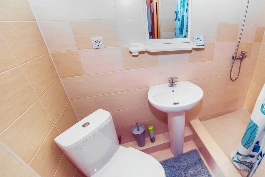 Туалетная комната Стандартного номера в отеле Шихан