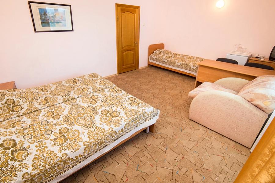 Семейный трехместный отеля Шихан