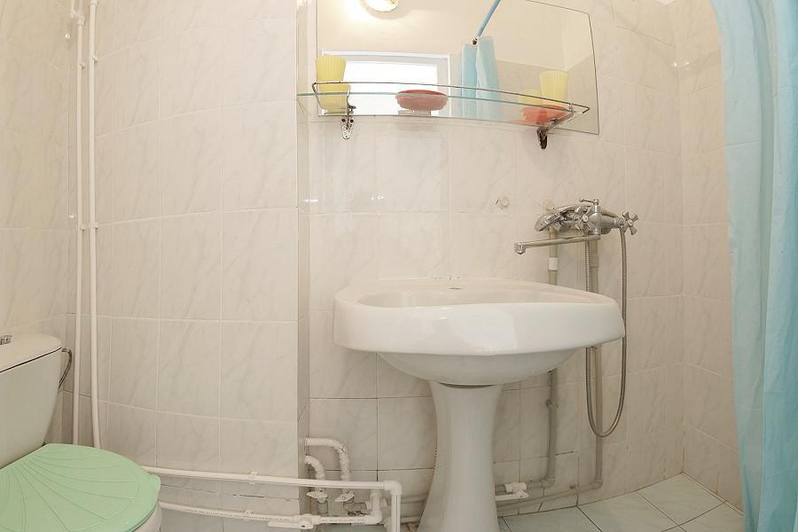 Туалетная комната Стандартного номера в Корпусе № 1 санатория Симеиз