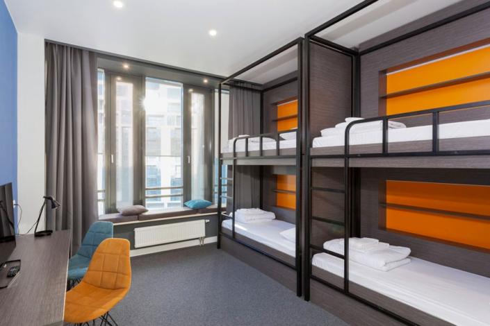 Стандарт шестиместный двухкомнатный с двухъярусными кроватями отеля Сириус Дельта, Сочи