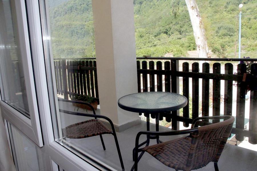 Балкон номера в гостевом доме Сказка