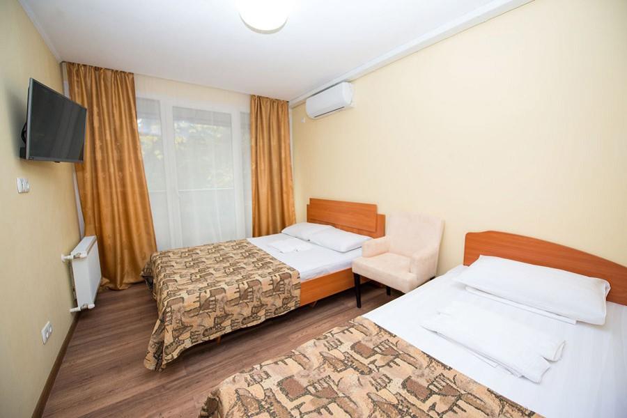 Комфорт трехместный в Корпусе 2, 3 санатория Славутич