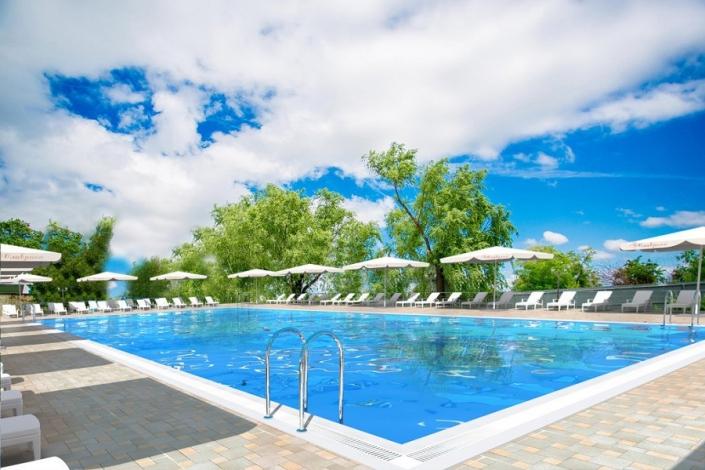 Бассейн отеля Славянка