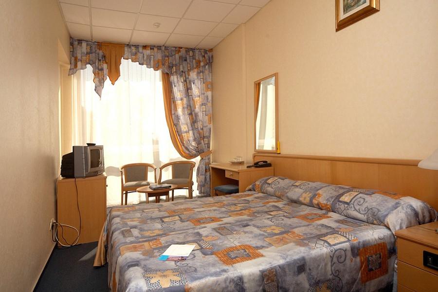 Номер ПК (повышенной комфортности) в Сочи Бриз Отель