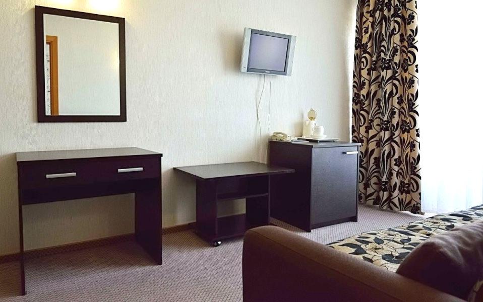 Двухместный двухкомнатный номер в гостинице Сочи-Магнолия