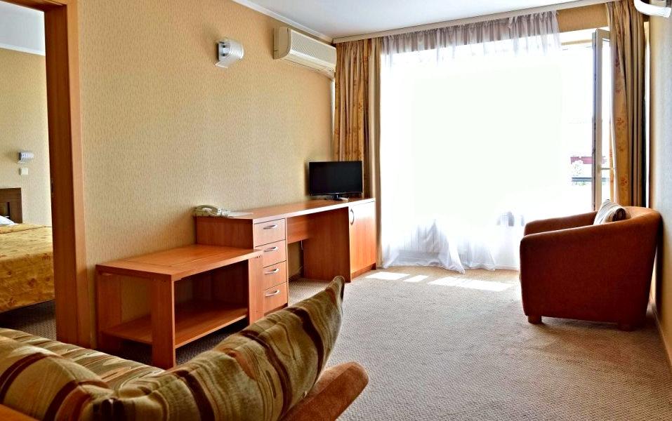 Двухместный трехкомнатный номер в гостинице Сочи-Магнолия