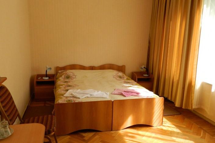 Стандартный номер в Корпусе №1 пансионата Сосновая роща, Пицунда, Абхазия