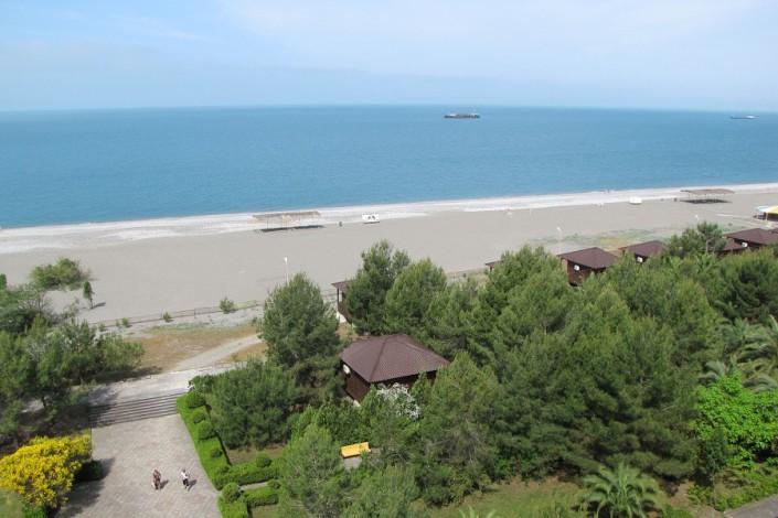 Пляж пансионата Сосновая роща
