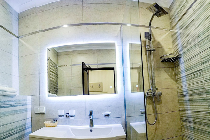 Туалетная комната номера Стандарт в Корпусе № 2 санатория Сосновая роща