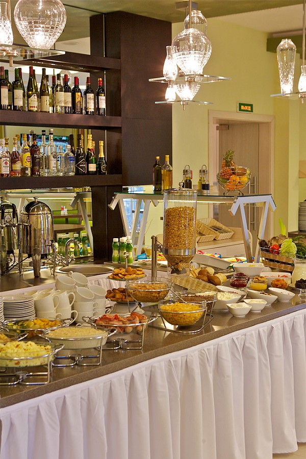 Ресторан отеля Спорт Инн