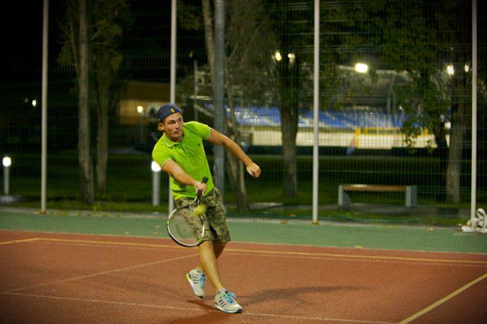 Теннисный корт отеля Спорт Инн