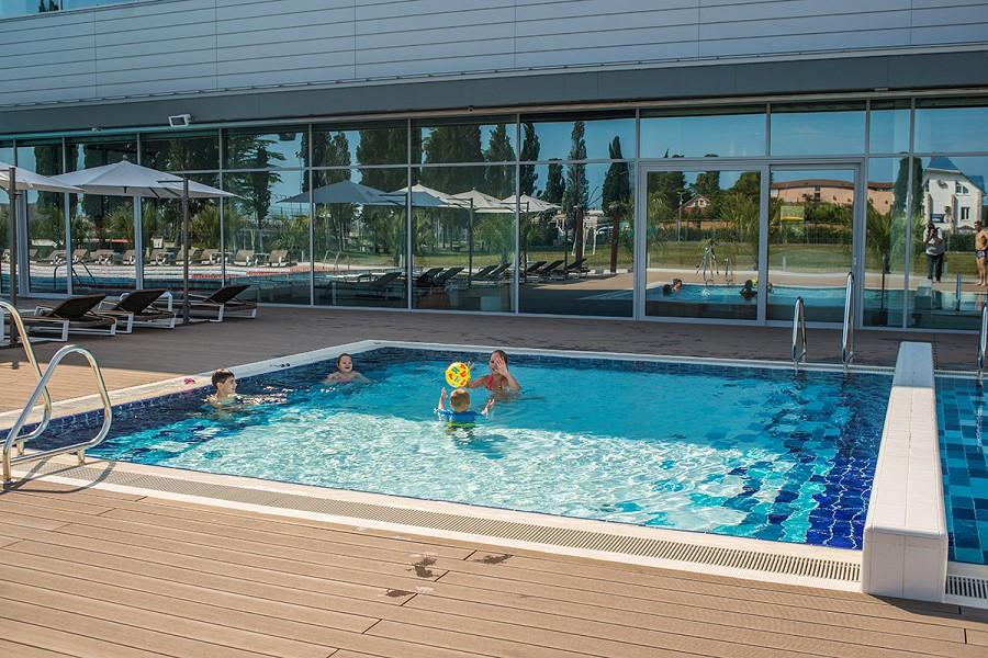 Детский бассейн отеля Спорт Инн