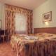 Люкс Улучшенный двухместный двухкомнатный с мини-кухней в коттедже Киевский отделения Спутник
