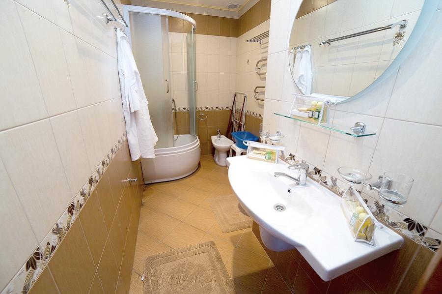 Туалетная комната номера Люкс санатория СССР, Сочи, Адлер