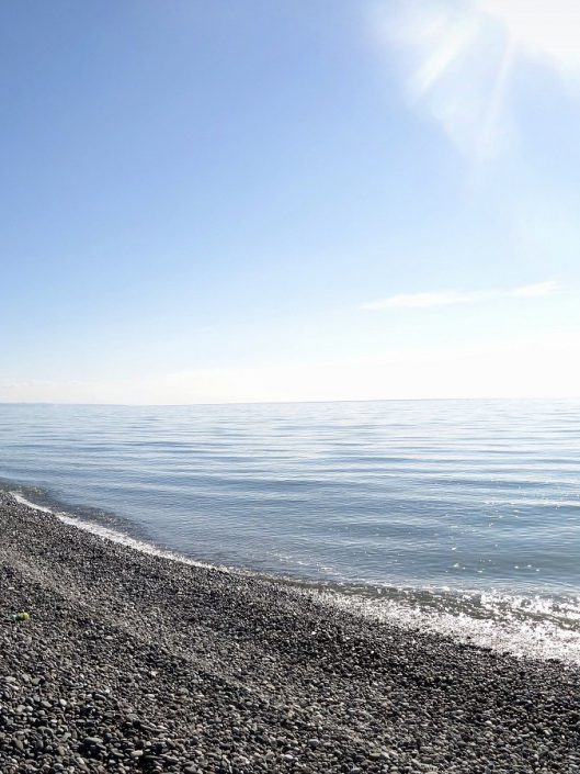 Пляж санатория Страна души, Сухум, Абхазия