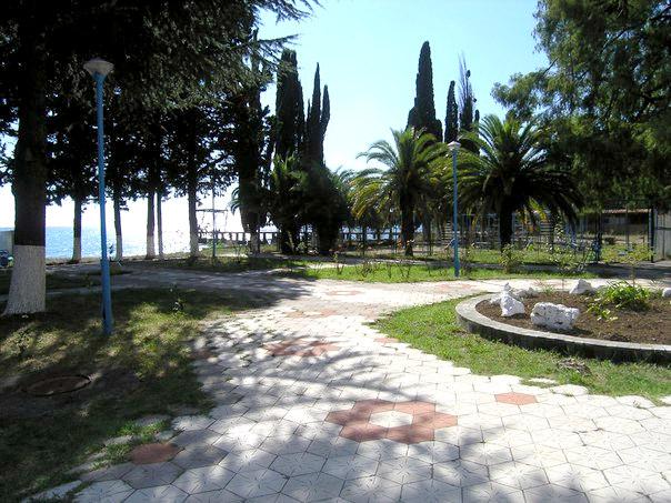 Территория санатория Страна души, Сухум, Абхазия