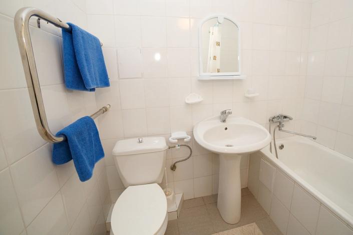 Туалетная комната Стандартного номера в Корпусе 2 ТОК Судак