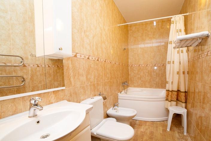 Туалетная комната номера Люкс двухкомнатный в Корпусе 3 ТОК Судак