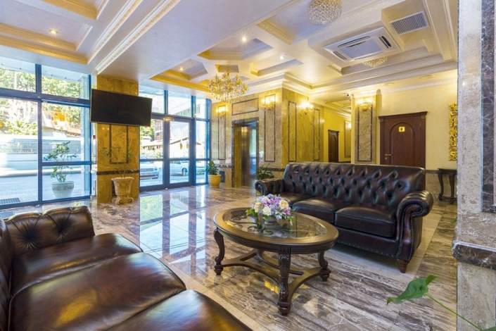 Холл отеля Sun Palace Gagra