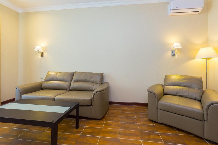 Люкс двухкомнатный в корпусе Мини отеля Sun Palace Gagra