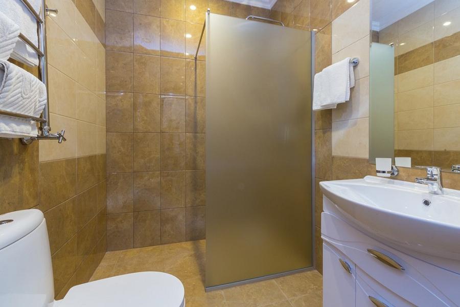 Туалетная комната номера Люкс в корпусе Мини отеля Sun Palace Gagra