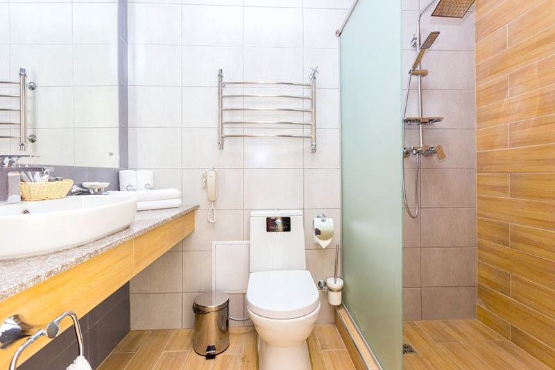 Туалетная комната номера Стандарт двухместный, Корпус №1, Sunmarinn Resort Hotel