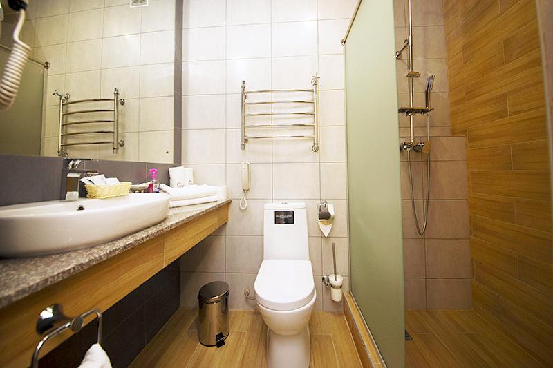 Туалетная комната номера Студия, Корпус №1, Sunmarinn Resort Hotel