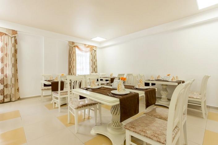 Обеденный зал Sunmarinn Resort Hotel