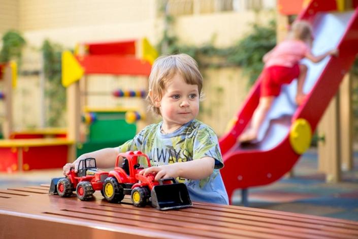 Детская площадка на территории Sunmarinn Resort Hotel