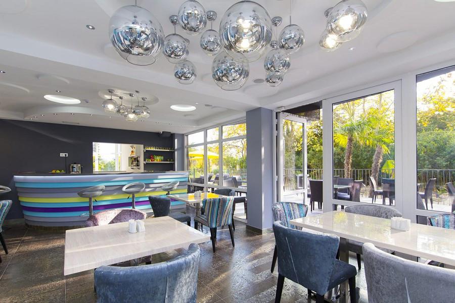 Ресторан A-Story в Sunrise Garden Hotel, Гагра, Абхазия