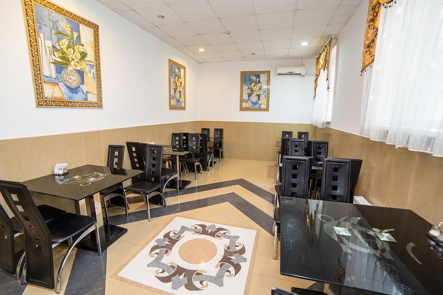 Кафе-столовая отеля Светлый путь Апсны