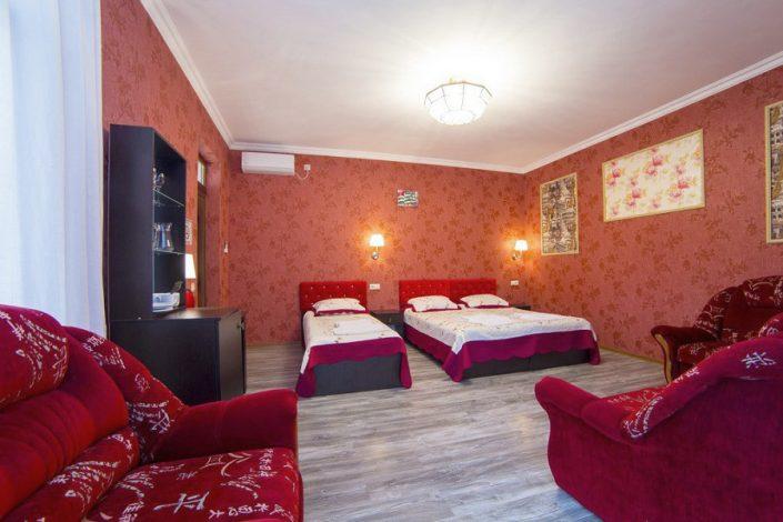 Стандартный 4-х местный номер SVK Hotel