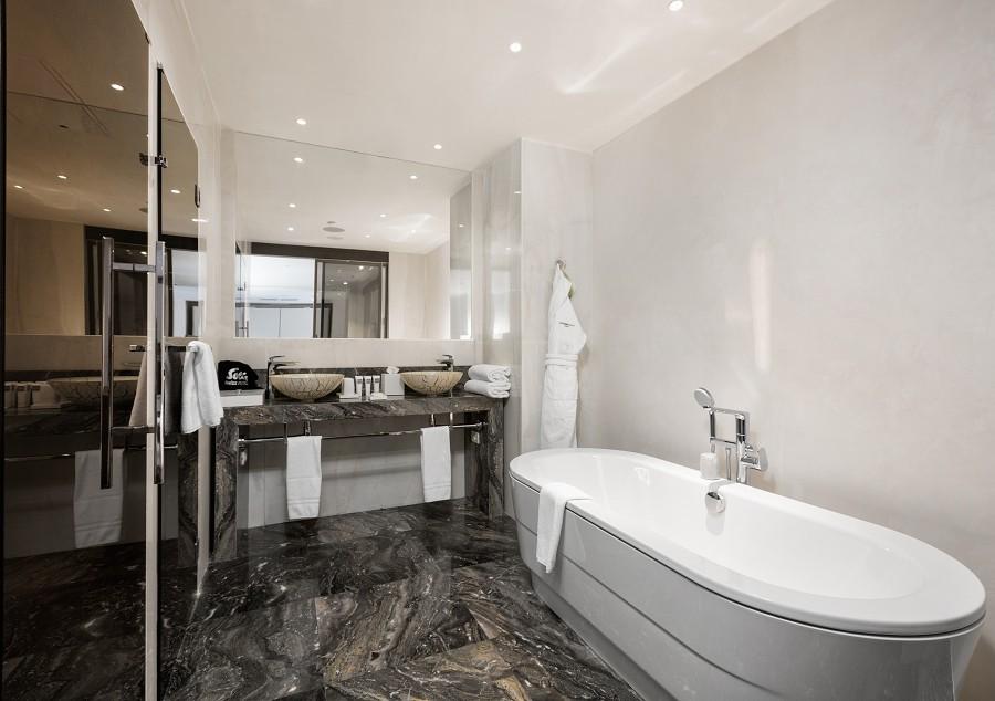 Grand Duplex Bathroom Swissotel Resort Sochi Kamelia