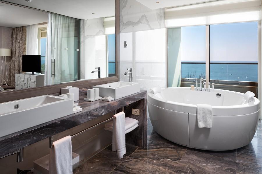 Presidential Suite Bathroom Swissotel Resort Sochi Kamelia
