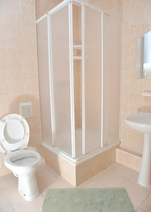 Туалетная комната номера Стандарт в пансионате Танжер