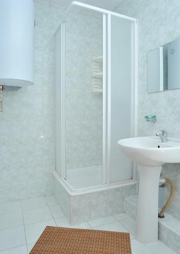 Туалетная комната номера Полулюкс в пансионате Танжер
