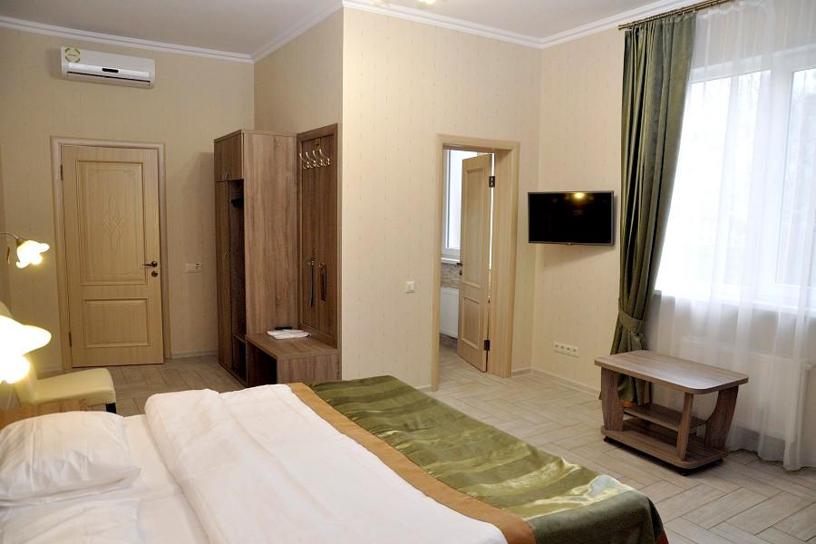 Комфорт двухместный на первом этаже гостевого дома Тавр