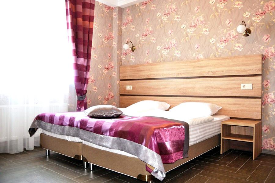 Семейный четырехместный двухкомнатный номер гостевого дома Тавр