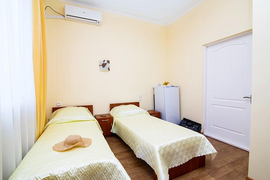 Стандарт Улучшенный двухместный санатория Таврия