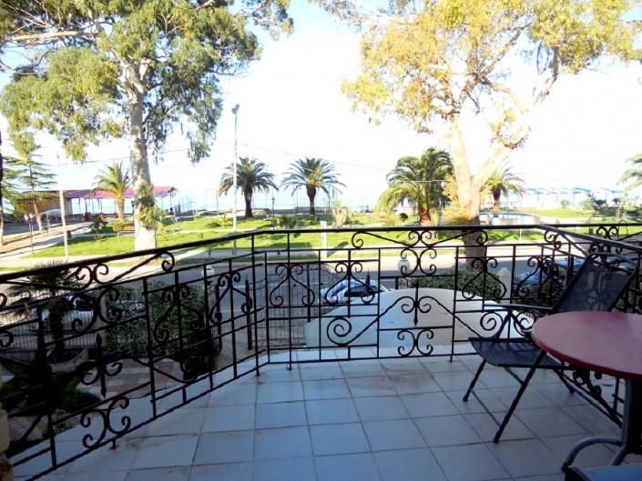 Вид на море с балкона номера гостиницы Тихий Дон