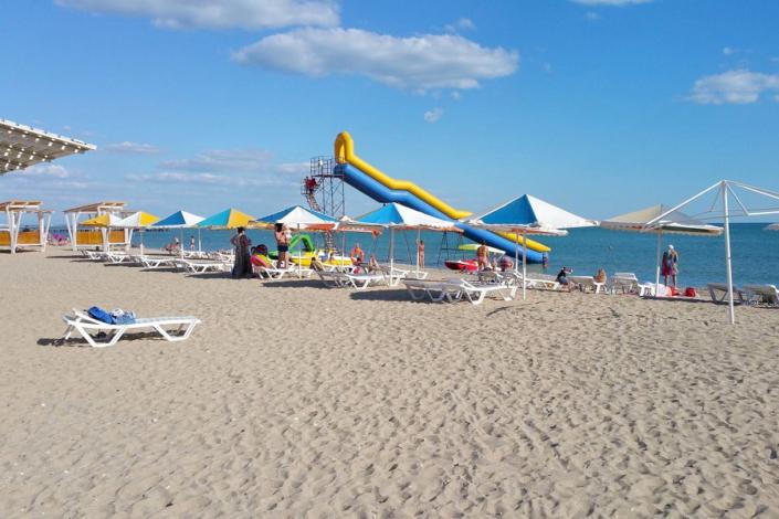 Пляж пансионата Трехгорка