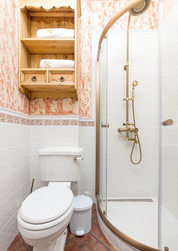 Туалетная комната Стандартного номера отеля Три мушкетера