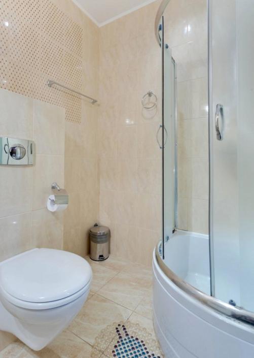 Туалетная комната номера Стандарт в пансионате Царь Евпатор