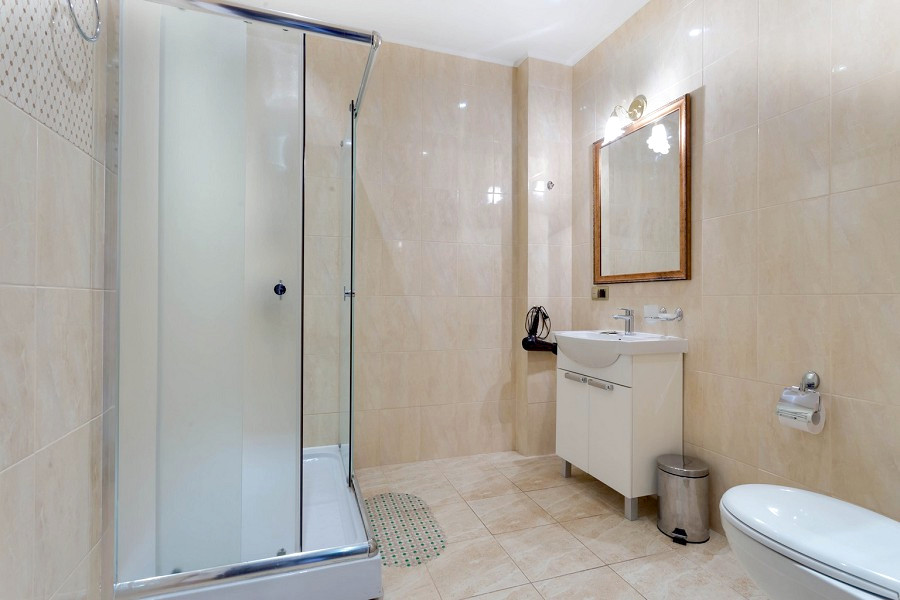 Туалетная комната номера Люкс в пансионате Царь Евпатор