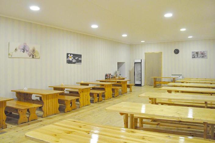 Столовая на территории парк-отеля У монастыря