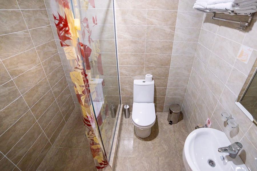 Туалетная комната Стандартного номера в пансионате Undersun Витязево
